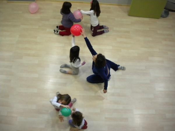 μουσική - χορός - ψυχοκινητικά παιχνίδια στο PlayGym στην Αγία Παρασκευή